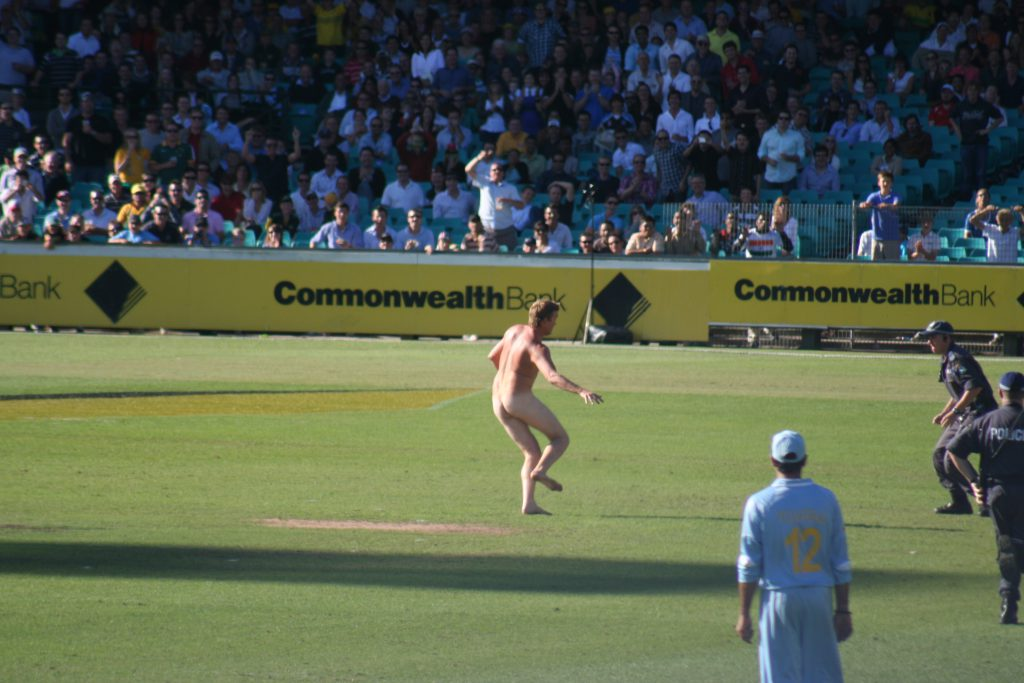 streaker at the SCG during the first final between India and Australia - by Duncan Yoyos - CC BY-SA 2.0