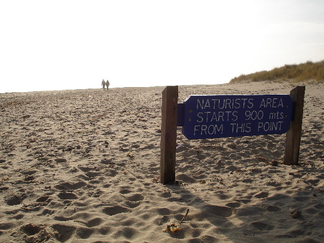 studland-beach-immediately-beyond-shell-bay-by-peter-lloyd-cc-by-sa-2-0