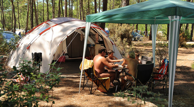 Size does matter: Big vs small nudist camps
