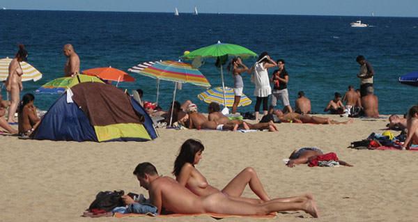 nudist's don't run away!
