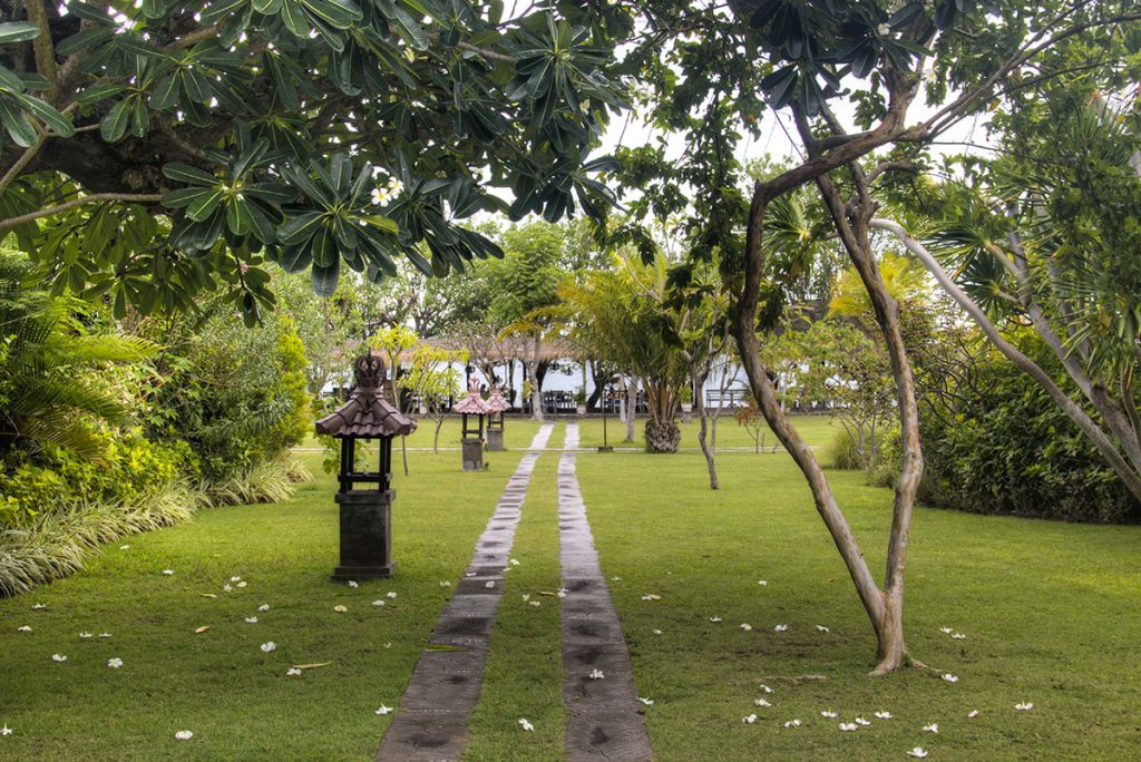 Review of Amertha Bali Villas in Pemuteran: Like nudist villas in a textile resort