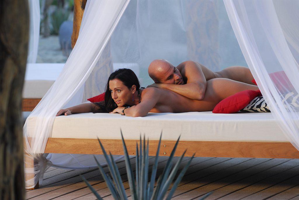 Can a nudist feel comfortable in a sensual resort?