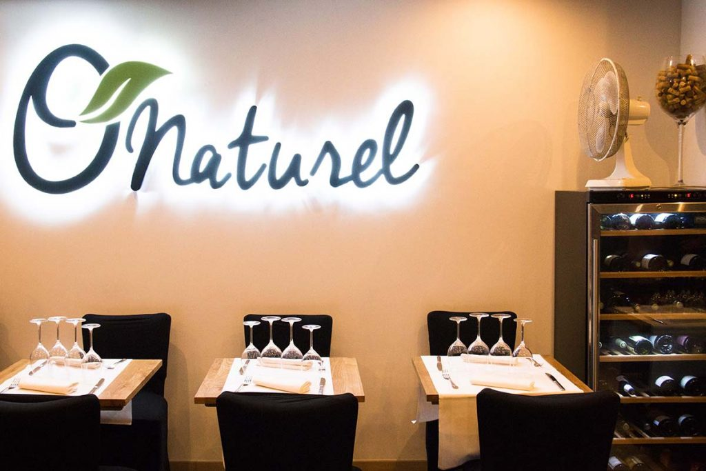 O'Naturel: The nudist restaurant in Paris