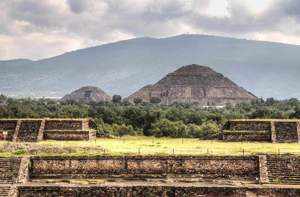 Naturism in Mexico - Teotihuacan