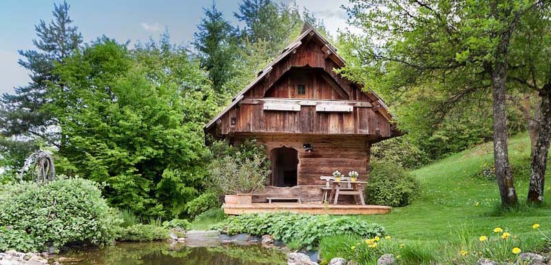 20 Amazing Airbnb rentals perfect for nudists