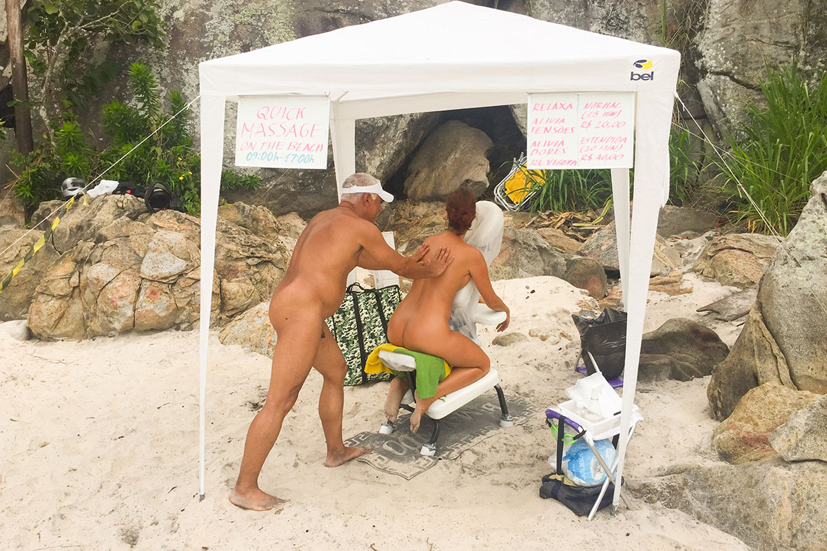 Massage on Praia do Abrico nude beach in Brazil