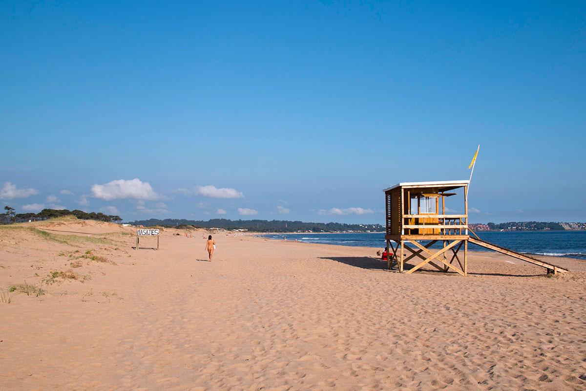 Playa nudista Chihuahua, Uruguay