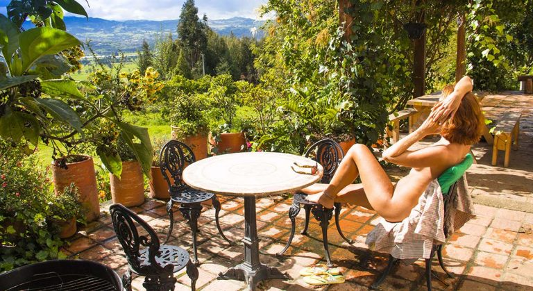 Review: The Naked House near Bogota, Colombia