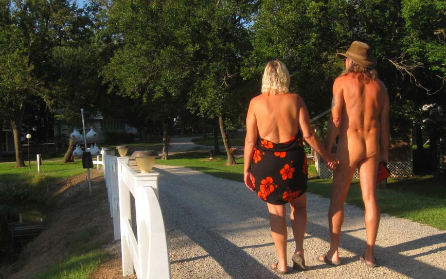 Naturist Talks: Scott and Julie from the USA