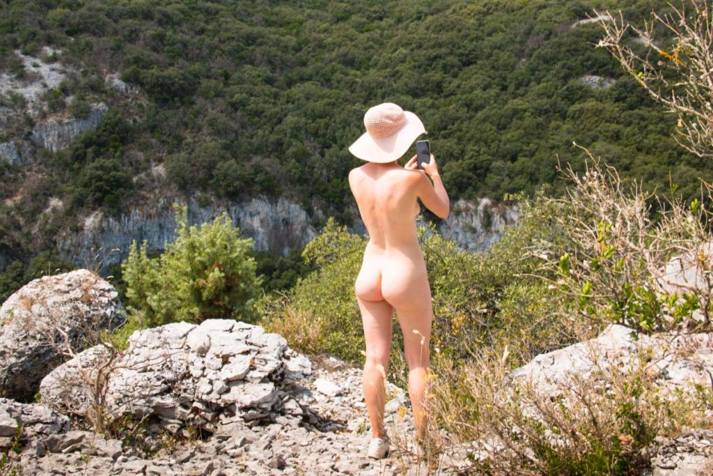 Nude Online Meetups: The Next Step in Social Naturism?