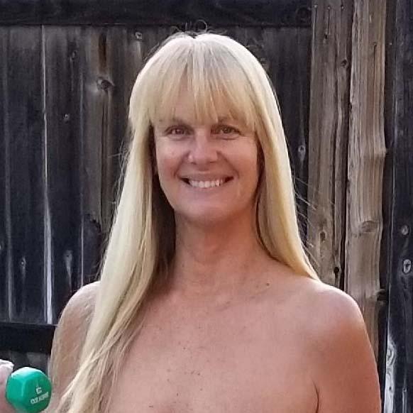 Linda - Blonde Giraffe - AANR
