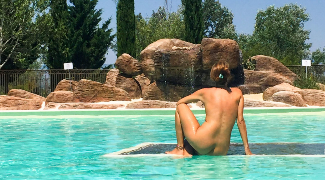 9 Common Myths about Naturism that are WRONG