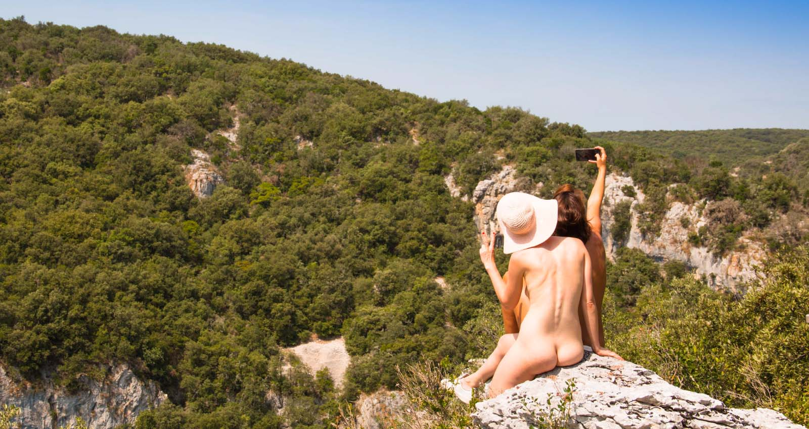 Smartphones at Naturist Resorts: Take em or Break em?
