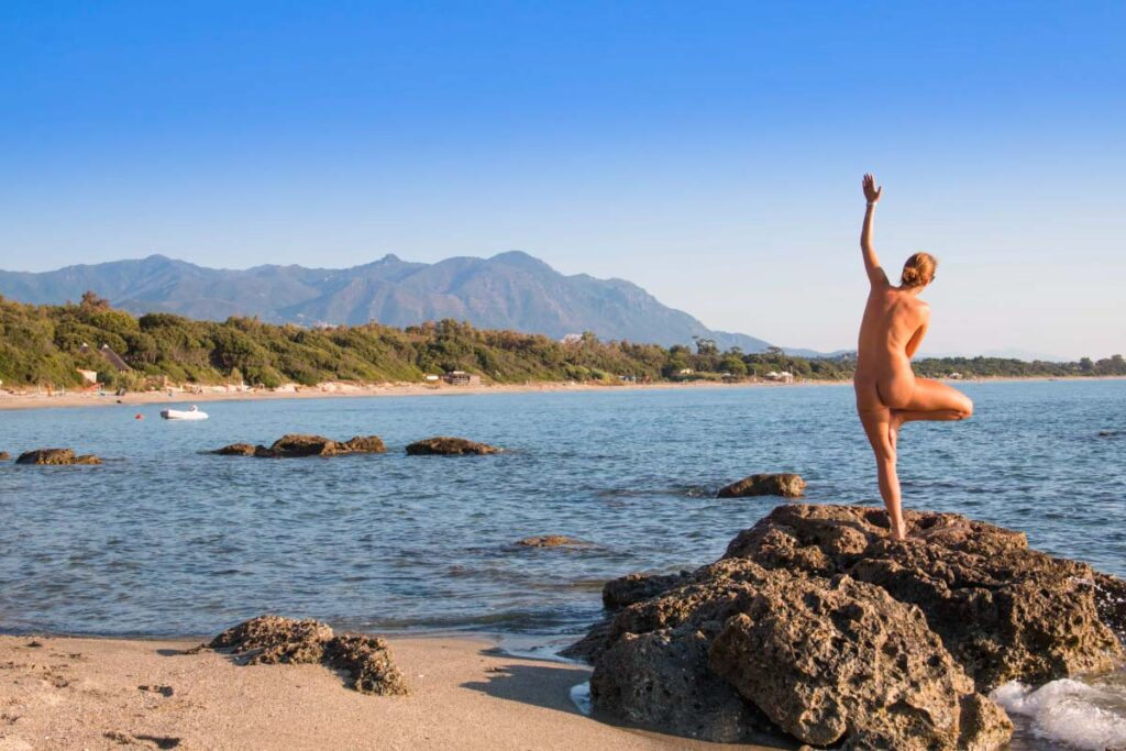 10 Things We Wish We Knew Before Visiting a Nude Beach for the First Time