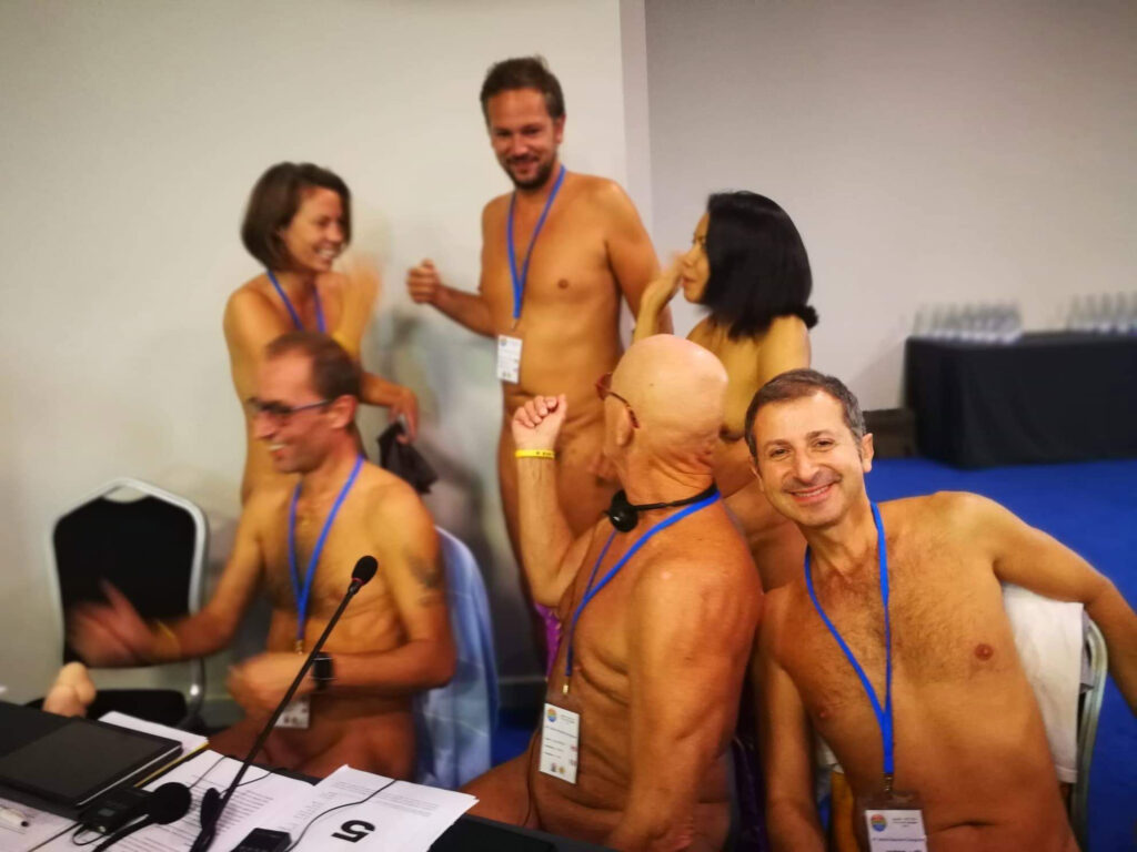 Have Naturist Federations Become Obsolete in the Internet Age?